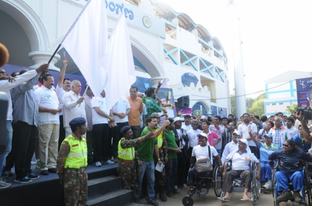 Photo 3- Union Minister Sri DV Sadanandagowda, State Trasport Minister Sri Ramalinga Reddy, MLA Dr C N Ashwath Narayan and other delegates flagoff the Marathon