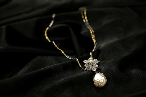 Fine craftsmanship- neckpiece
