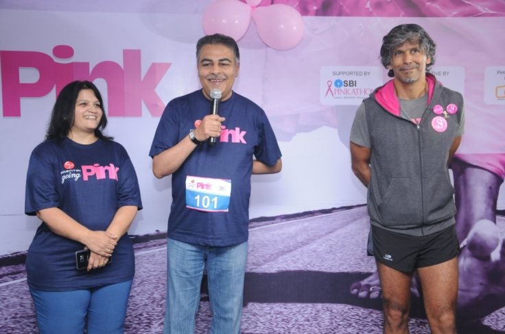 Mrs. Snehal Mantri, Director- Marketing & HR, Mantri Developers,Mr. Sushil Mantri, CMD, Mantri Developers with Milind Soman at Mantri is going Pink - Health Awareness Campaign