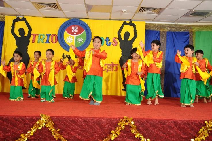 Kids performing Bhangra