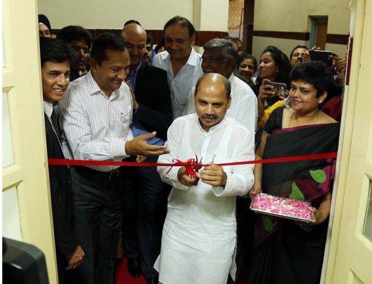 Dr. Shanrnapraksh Rudrappa Patil inaugurating Midtown Rotary Ashirvad BMCRI Skin Bank-1