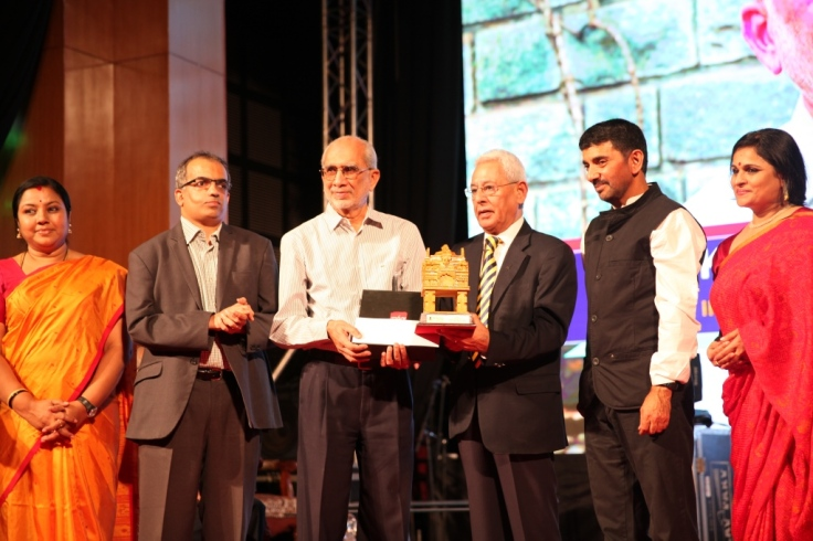 Mr. Kishore S Rao recieving the Citizen Individual of the  year