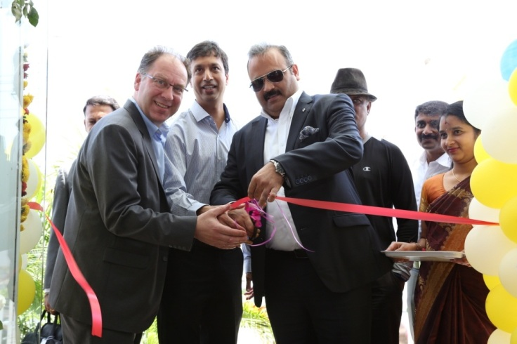 Ribbon Cutting of Renault Selection by Mr