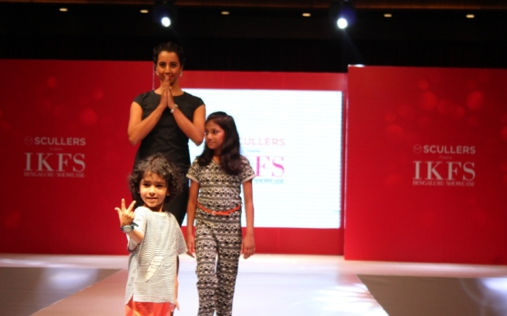 Actor Sanjjanaa with child models