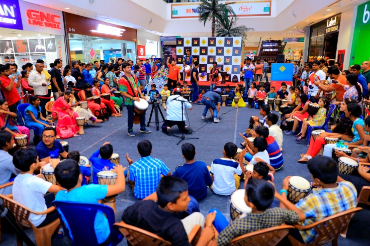Drum Jam Session by Beat Gurus around  the art installation conducted by Phoenix Marketcity