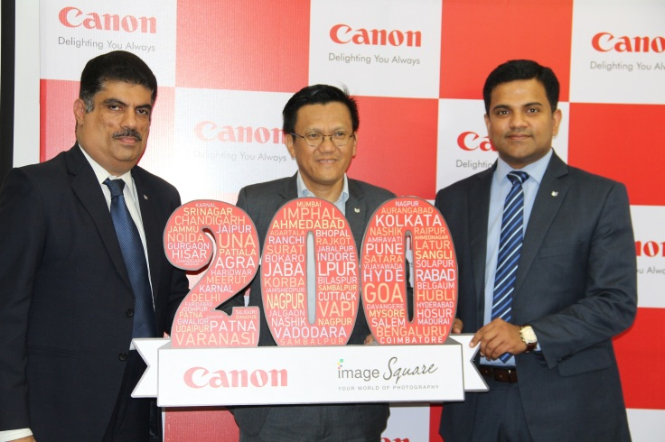 Mr Andrew Koh inagurating 200th CIS store launch (1)