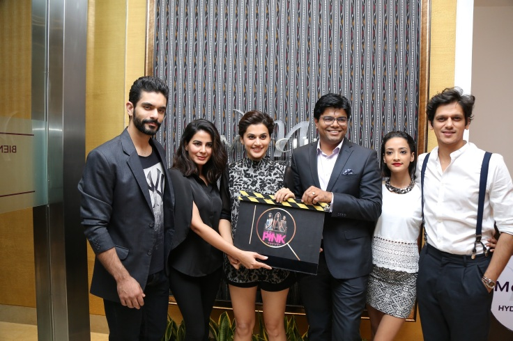 gm-dinesh-rai-with-the-star-cast-of-pink-movie-at-the-opening-of-iq-the-lounge-bar-at-mercure-hyderabad-kcp