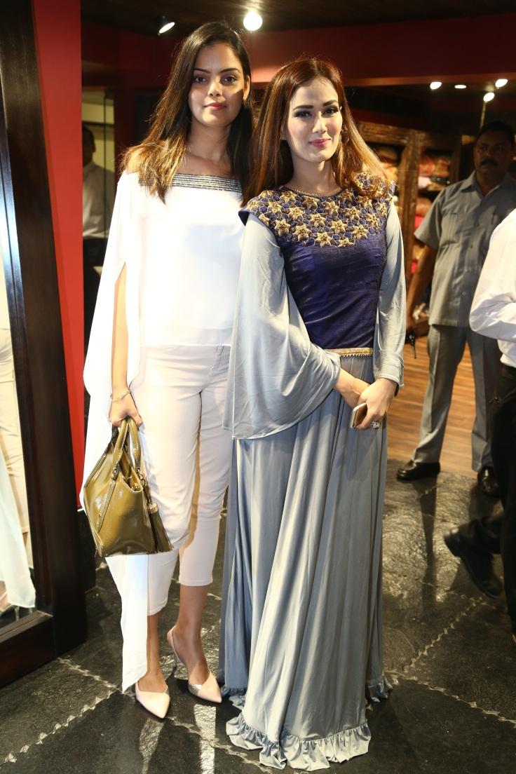 designer-padma-swarupa-with-singer-priyanka-goyat-1