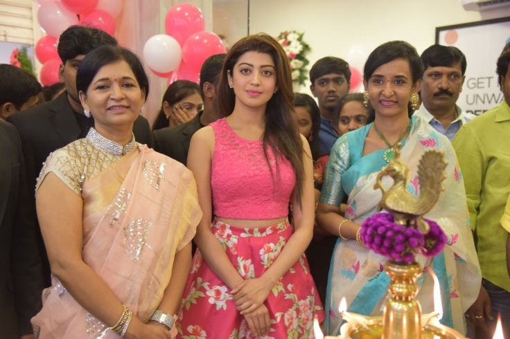 founders-of-anoos-l-to-r-anuradha-pranitha-and-annapoorna